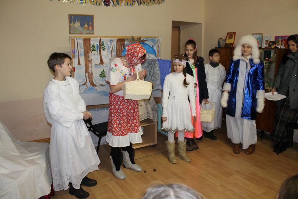 Рождественский детский праздник в Феодоро-Стратилатовском храме села Большое Колычево